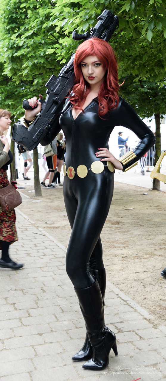 Image Of Black Widow Avengers Cosplayer At London Comic Con 2016 From Pembrokeshire Pictures