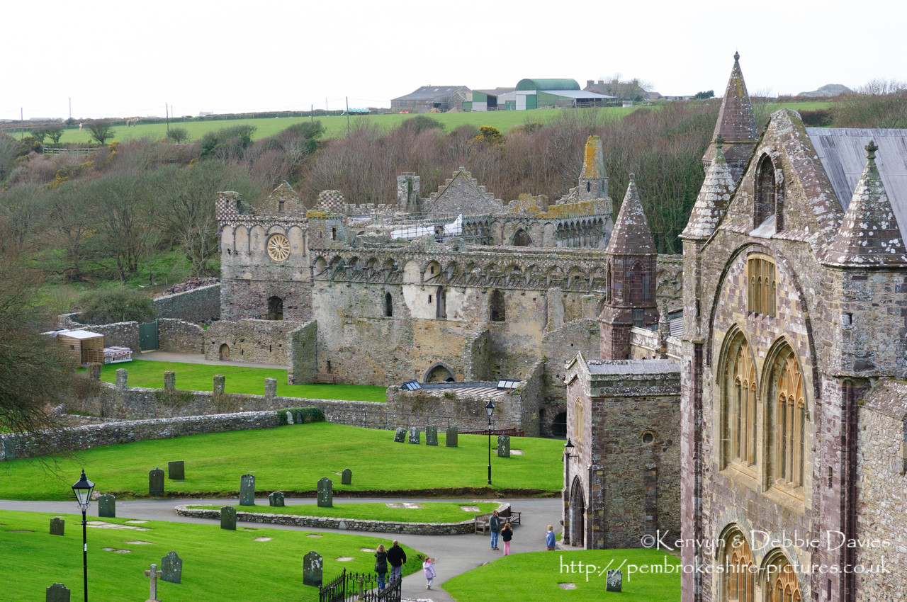 Originally a monastery built in the 6th Century, the remaining ruins date from the 13th and 14th century.<br/><br/>http://http://www.stdavidscathedral.org.uk