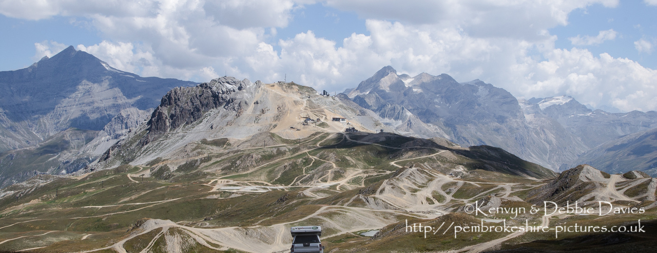 The Val d'?Isère ski resort is used as an off-roading course during the summer months when there little snow about. Manufacturers use it to test their new 4x4's.