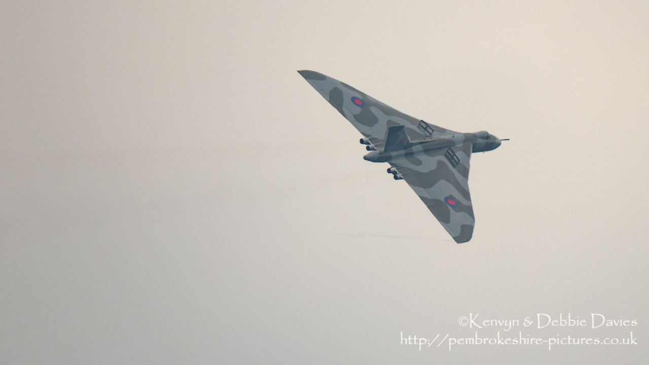 This is the only shot I took with the air brakes up so we've included it despite the foggy conditions.