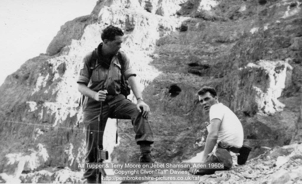 Alf Tupper & Terry Moore on Jebel Shamsan, Aden 1960s