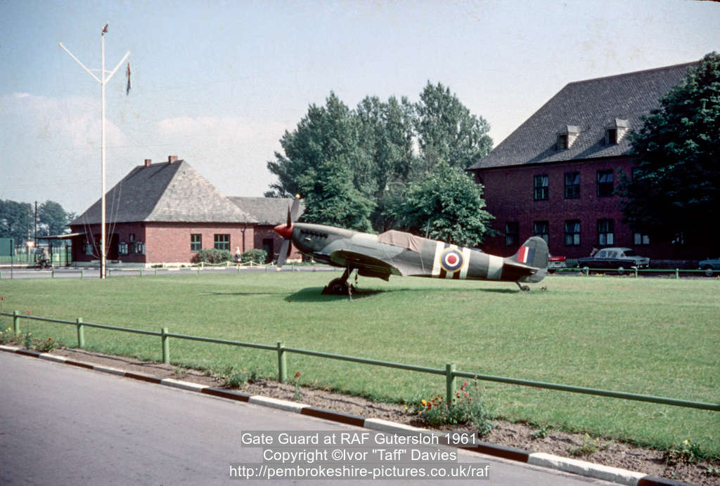 Gate Guard at RAF Gütersloh 1961