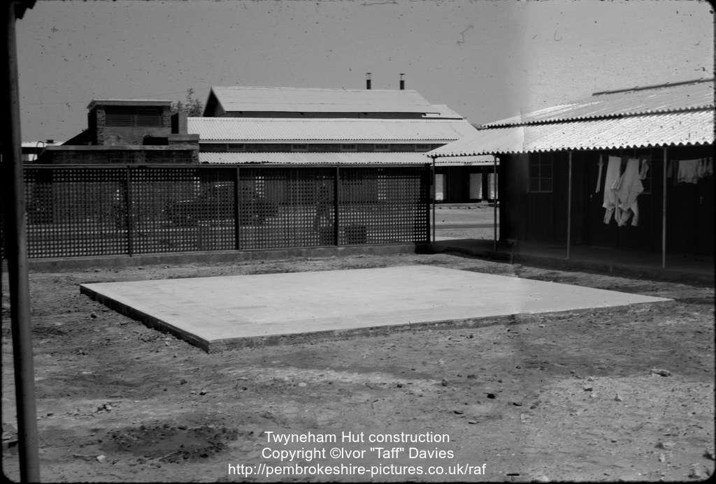 Twyneham Hut construction