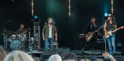 Alfie Boe at Carfest 2013