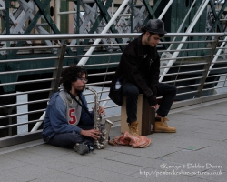 Buskers on Golden Jubilee Bridge
