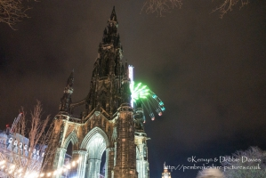 The Scott Monument at night